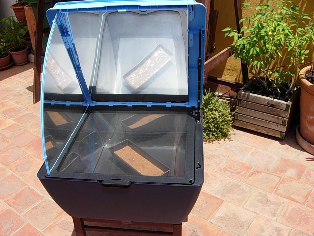 Pon un horno solar en tu azotea lechugera (!)