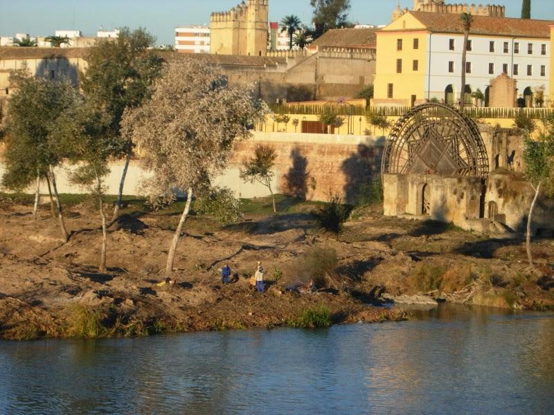 Explicación de las Autoridades sobre el río, 29-11-2013