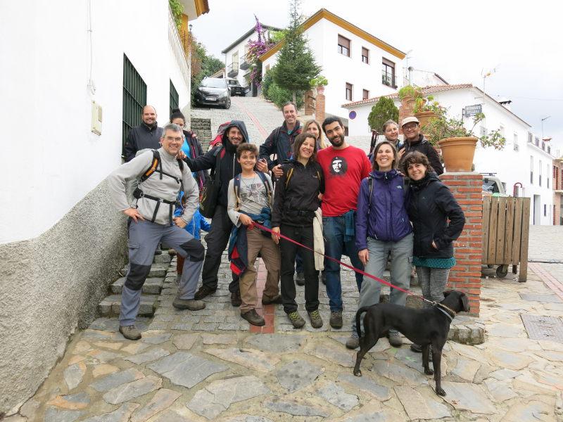Grupo tras finalizar el sendero del Bosque de Cobre. Valle del Genal
